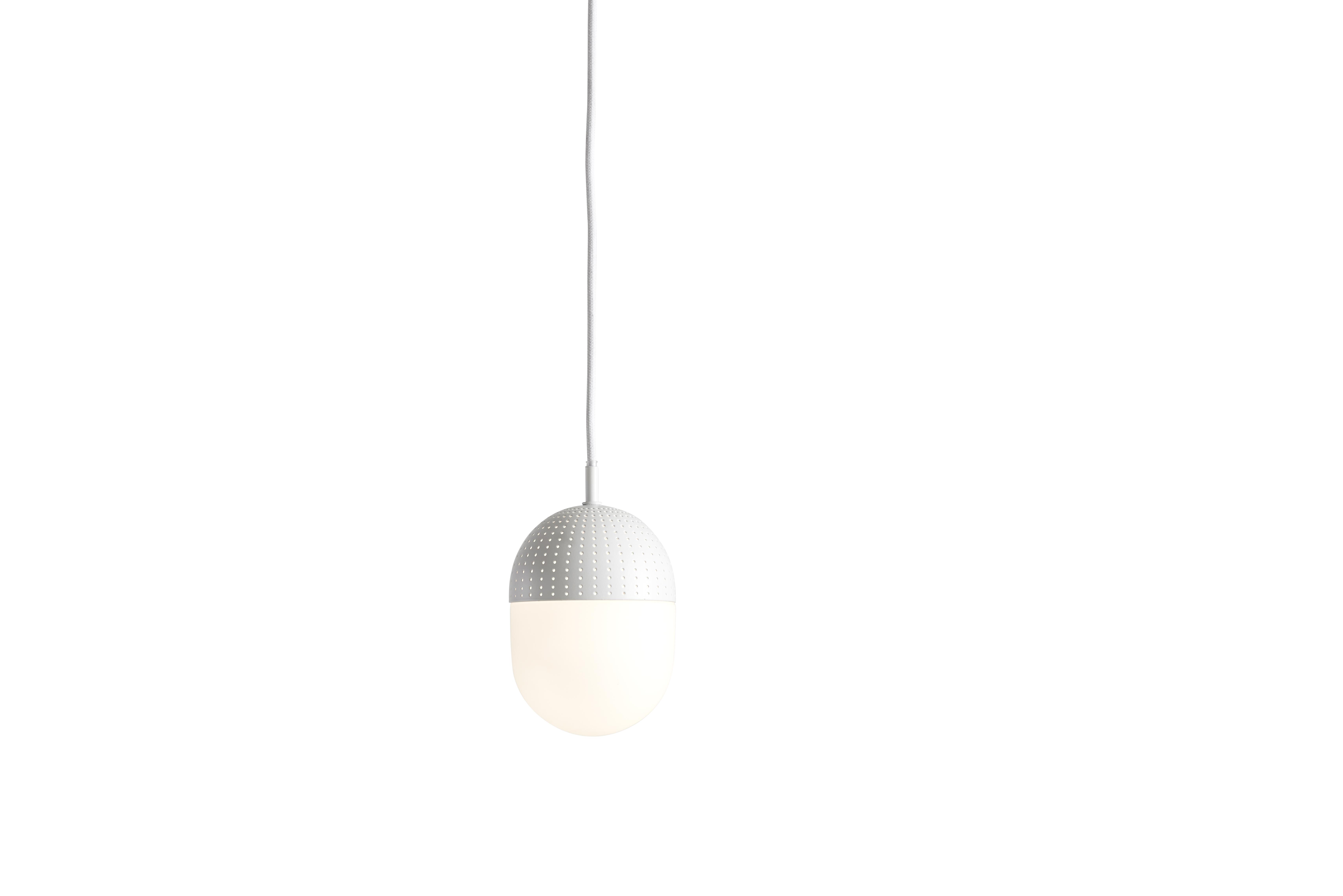 Woud Dot pendant, medium / hvid