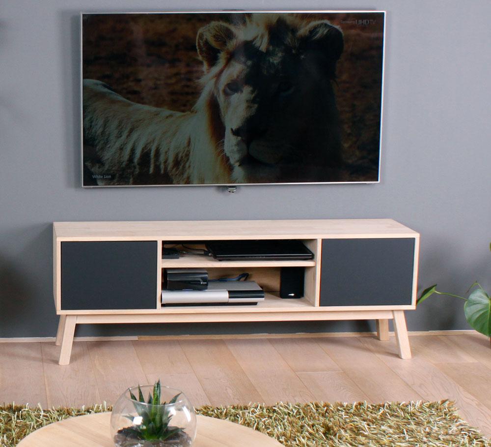 BY TIKA Cannes tv-bord - sort/naturfarvet egetræ, i eg med grå 2 låger og1 hylde, uden hjul, (50x140cm)
