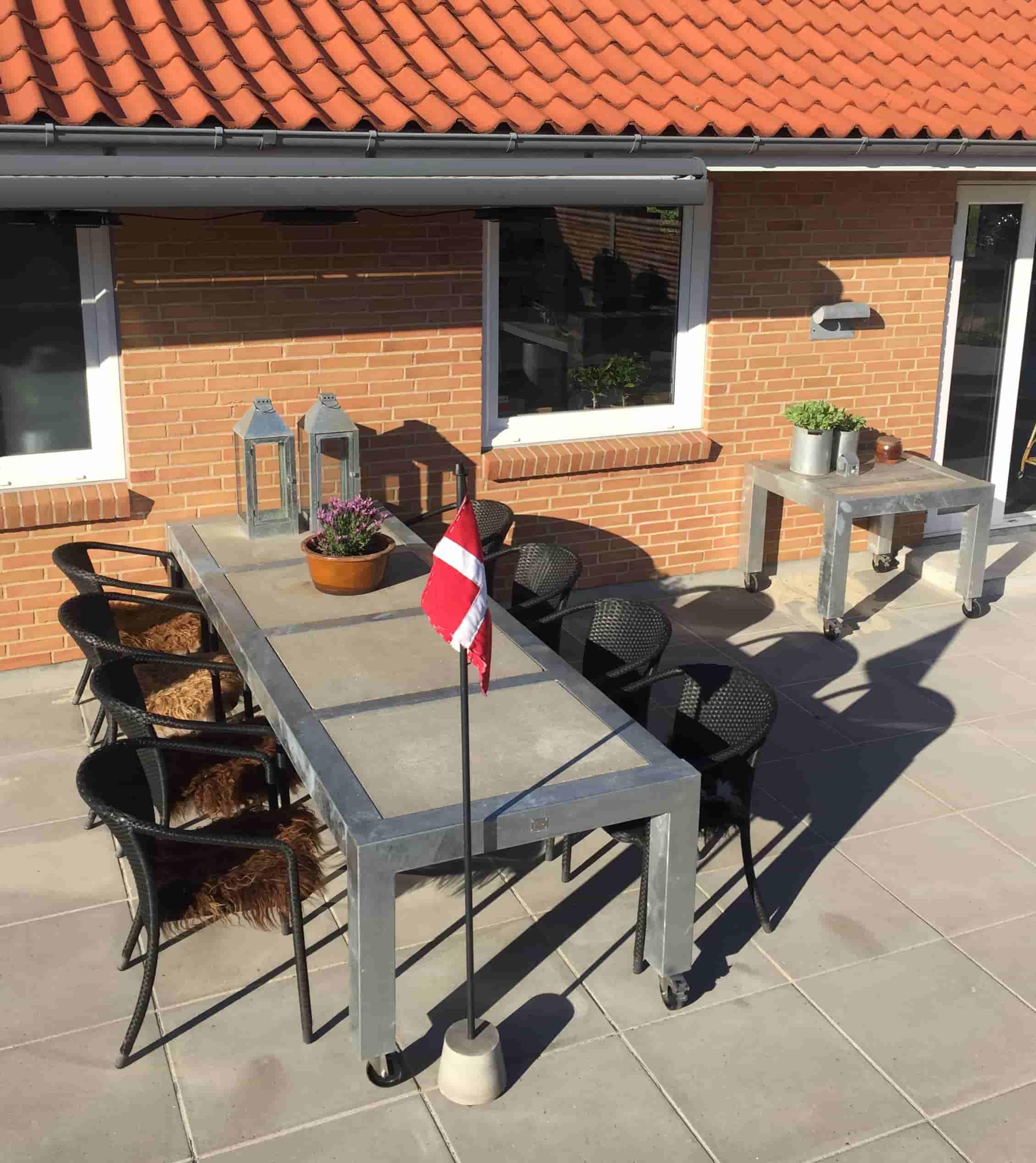 A2 LIVING Longtable havebord - galvaniserede, med hjul (298x101)